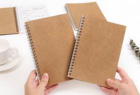 Alege produse pentru birou din materiale reciclabile